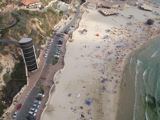חוף תל ברוך / צלם: מץ 76